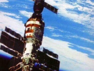 Легендарный космонавт