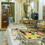 Завтрак в гостинице Украина